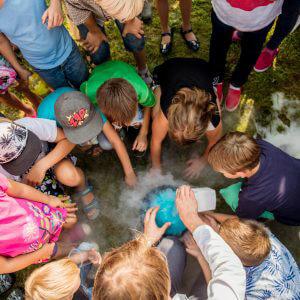 """(Lietuvių) Dienos stovyklos vaikams """"Mes – fortiečiai!"""""""